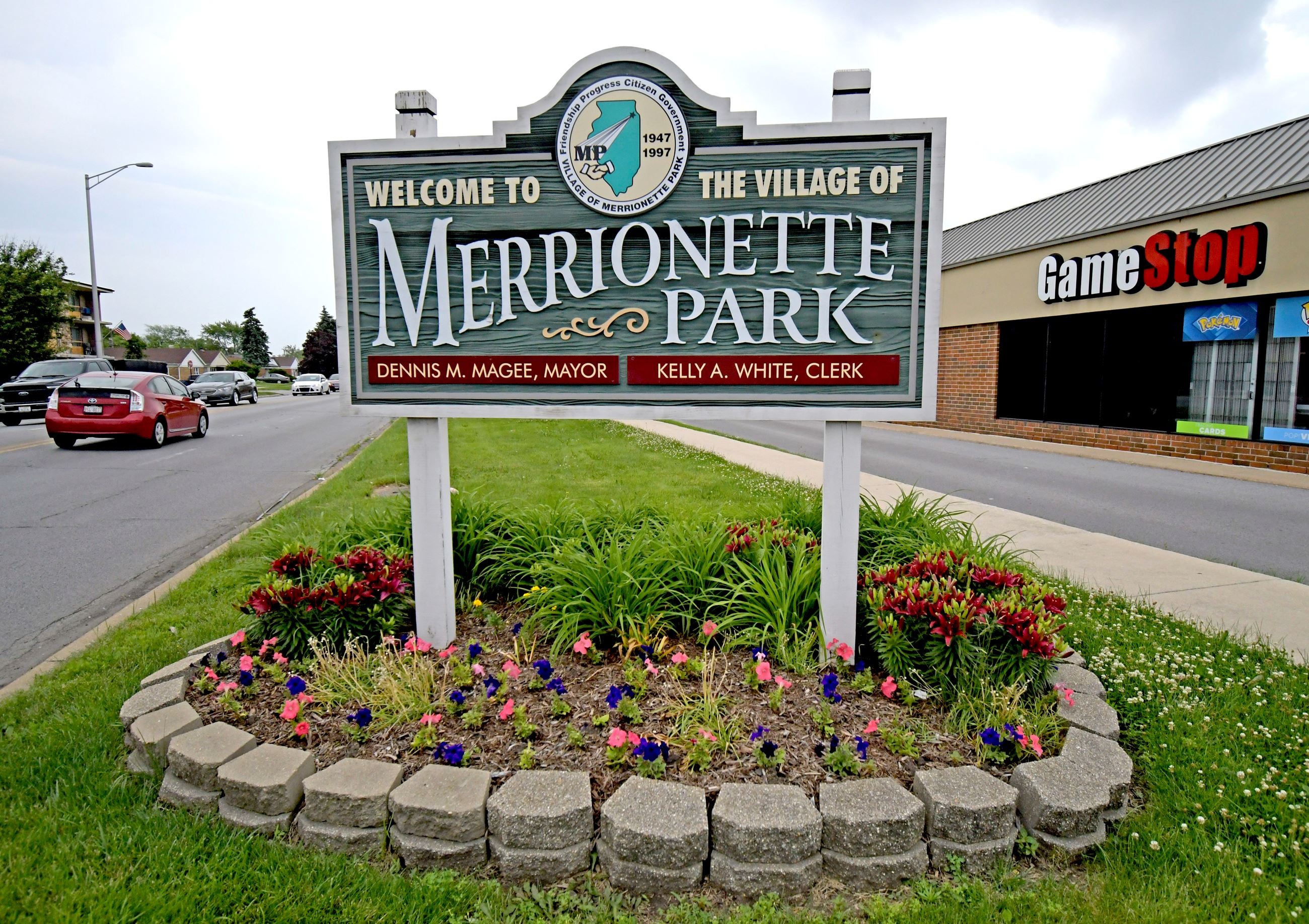 Welcome to Merrionette Park Sign